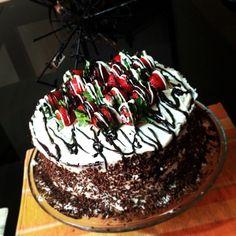 Torta de chocolate y chantillí