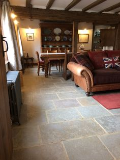 Such a grand room demands a floor that can match up to it. We certainly think that the Umbrian Limestone is more than up to the job!