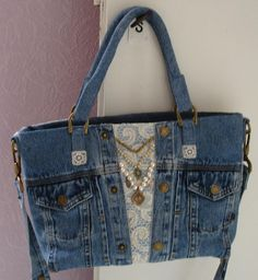 "French Oddities: Un Sac de Mauvais Français ""I usually dont like jeans bags but this one is cute :) Gunadesign Handmade Jewelry and Fashion Barn: blue jean Handmade Purses, Handmade Handbags, Handmade Jewelry, Jeans Recycling, Sacs Tote Bags, Blue Jean Purses, Denim Handbags, Denim Crafts, Old Jeans"