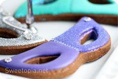 The TomKat Studio: {Baking} Mardi Gras Cookies by Sweetopia!