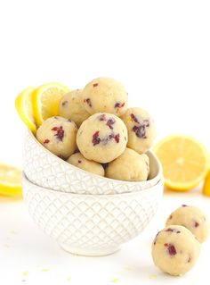 These Cranberry Lemon Bites are the perfect paleo and vegan snack. Made from a combination of almond flour and coconut flour, these grain-free bites. Paleo Dessert, Gluten Free Desserts, Vegan Desserts, Vegan Recipes, Cooking Recipes, Paleo Vegan, Small Desserts, Snack Recipes, Cranberry Recipes Paleo