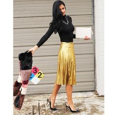 """H&M gold pleated skirt size 6 NWOT H&M gold pleated skirt size 6 NWOT. Never wound up wearing, super cute same style that just came down the Gucci runway. Waist just under 28"""", length 26"""". H&M Skirts Midi"""