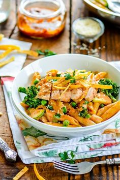 Today's recipe is copycat of Cheesecake Factory's Spicy Chicken Chipotle Cream Sauce Pasta. I simply love their Chipotle Pasta... The hint of spice, creamy sauce, crunchy veggies, and succulent chi...