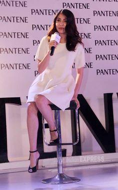 Anushka Sharma is immaculate in white Anushka Sharma And Virat, Virat Kohli And Anushka, Bollywood Actress Hot Photos, Indian Bollywood Actress, Preity Zinta, Gigi Hadid Style, Net Lehenga, Sexy Legs And Heels, Dress Indian Style