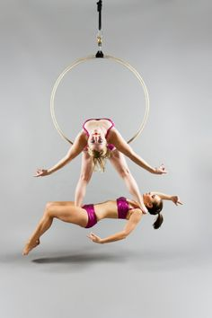 New pole dancing duo aerial hoop ideas Lyra Aerial, Aerial Hammock, Aerial Acrobatics, Aerial Dance, Aerial Hoop, Aerial Arts, Aerial Silks, Aerial Gymnastics, Martial