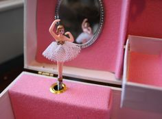 ballerina jewellery box- had one!