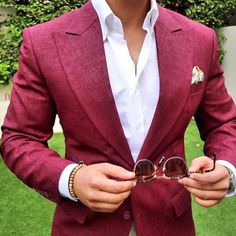 Red blazer for men Check out new pins on this board Look Man, Herren Outfit, Red Blazer, Suit And Tie, Red Suit, Blazers For Men, Well Dressed Men, Suit Fashion, Gentleman Style
