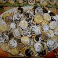 Fotografie receptu: Dobré svatební koláčky Chocolate Deserts, Savory Tart, Pavlova, Stuffed Mushrooms, Goodies, Food And Drink, Pie, Cheese, Vegetables