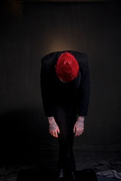 Taking a bow, and thanking everyone who supports Blue Stahli.