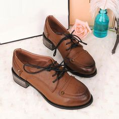Find More Women's Flats Information about Drop Shipping lace up leather shoes British retro shoes rub the color with flat shoes Oxford shoes All matched small shoes,High Quality shoes vintage,China shoe stretcher Suppliers, Cheap shoe string from Fashion Boutique Discount Stores on Aliexpress.com