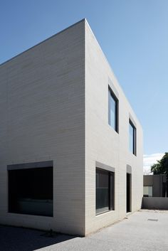 MOUNTVIEW ROAD RESIDENCE by b.e architecture