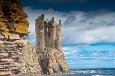 https://flic.kr/p/fK4S27 | Keiss Castle, Caithness, Scotland | Nikon D700 and Zeiss ZF Makro-Planar 100mm.1.2 ND Grad Filter.