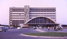 Estação CFM da Beira em 1968 Maputo, Homeland, Portuguese, Modern Architecture, Colonial, Opera House, Skyscraper, Multi Story Building, Africa