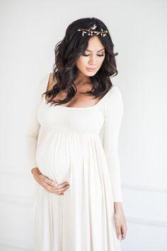 693ea2d0048 18 Best Maternity Gowns images