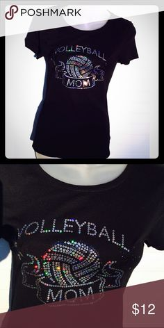 new Volleyball Mom Nwot Old Navy Perfect Tee Volleyball Mom short sleeve tee Old Navy Tops Tees - Short Sleeve