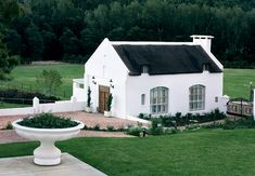 Opulent living in this Cape Dutch country house set deep in a tranquil valley on a working wine estate, 1 hour from Cape Town White Cottage, Cottage Style, Cabana, Roof Design, House Design, South African Homes, Cape Dutch, Vibeke Design, Dutch House