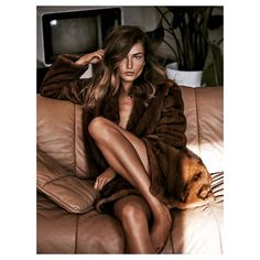 tandempress Cozy Sunday!  #home #sunday #friend #family #love #happy #vogue #china #andreeadiaconu #lachlanbailey #fashion #luxury #sunday #cozy #cozysunday #model #fur #television #fashioneditorial #magazine #tv #weekend #homesweethome 2017/01/30 02:04:47