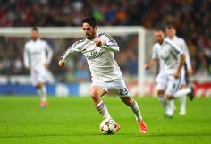 Isco of Real Madrid CF on the ball during the UEFA Champions League Group B match between Real Madrid CF and Liverpool FC at Estadio Santiago Bernabeu on November 4, 2014 in Madrid, Spain.