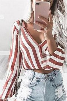 V Neck  Stripes Blouses - #Blouses #neck #stripes Bluse Outfit, Cardigan Outfits, Winter Outfits For Work, Spring Outfits, Cute Blouses, Blouses For Women, Business Casual Outfits For Work, Fashion Outfits, Relationship