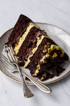 Pistachio Butter, Pistachio Cake, Chocolate Ganache, Hot Chocolate, Chocolate Cakes, Milk Bar Cookbook, Homemade Chocolate, Clean Eating Snacks, Layers