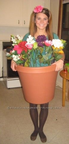 My friends and I decided to be lawn ornaments for Halloween, and they gave me the task of turning myself into a flower pot costume. I called around ...