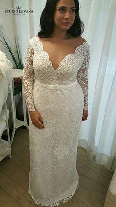 Plus size mermaid wedding gown wow-factor with Studio Levana