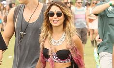 Vanessa Hudgens chalk-dyes her tresses pink for Coachella weekend two http://dailym.ai/1izDvMm