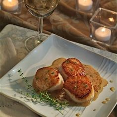 Simple high end/ fine dining options with 5 star tavern vibe - Pan-Seared Scallops with Apple Cider Glaze Fall Recipes, Asian Recipes, Great Recipes, Favorite Recipes, Ethnic Recipes, Dinner Recipes, Fish Dishes, Main Dishes, Pan Seared Scallops
