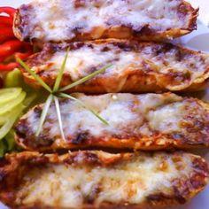 Gombás-szalonnás melegszendvics Recept képpel - Mindmegette.hu - Receptek Lasagna, Baked Goods, Hot Dogs, Hamburger, Bacon, Sandwiches, Brunch, Pork, Food And Drink