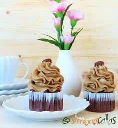 Cupcakes cu ciocolata si crema de ness