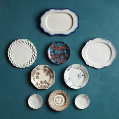 Forget the standard wall-mounted dish display (fine china, strictly matching), and free-associate instead. Mix plates from different sets and eras to showcase stray family heirlooms or flea market finds. Diy Wall Decor, Diy Home Decor, Art Decor, Pattern Wall, Dish Display, Plate Display, Martha Stewart Home, Plates On Wall, Plate Wall