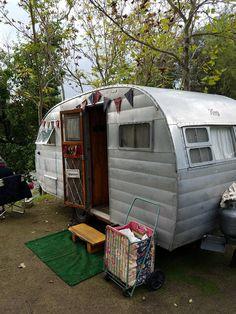 8731 Best Vintage Caravans images in 2019 | Vintage campers trailers