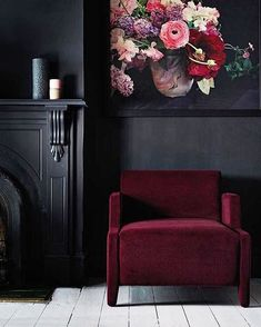 Interiors trend scout: Inky interiors and black walls. Home Decor and Interior Design Ideas. Design and Style Inspiration for your home. Interior Desing, Home Interior, Gothic Interior, Luxury Interior, 2018 Interior Design Trends, Autumn Interior, Classic Interior, Interior Modern, Interior Styling