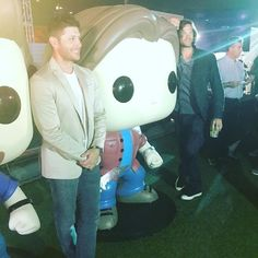 """1,550 Likes, 2 Comments - JensenAcklesFan ❤️ (@jenacklesfan) on Instagram: """"#Repost @madmanmendez ・・・ The Winchester brothers pose with their #funkopops #sdcc2017 #WB…"""""""