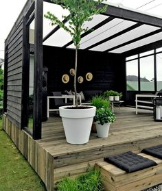8 Profound Clever Tips: Modern Backyard Garden Landscaping Ideas backyard garden oasis pools.Backyard Garden Shed Potting Tables backyard garden shed tools. Patio Deck Designs, Patio Design, Small Backyard Landscaping, Backyard Patio, Pergola Patio, Backyard Ideas, Modern Backyard, Small Patio, Landscaping Ideas