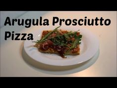 Check out this #delicious #arugula #prosciutto #pizza and #DIY. | Check out diese #leckere #Rucola #Schinken #Pizza und mach sie selbst. | #food #yummy #kitchen #Küche #PizzaTime #SoooGood