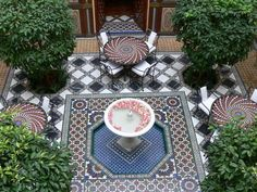 25 Modern Backyard Ideas to Create Beautiful Outdoor Rooms in Moroccan Style is part of Moroccan decor Garden - Backyard ideas inspired by Moroccan courtyards and decor are colorful and inviting Moroccan Design, Moroccan Decor, Moroccan Style, Moroccan Room, Unique Flooring, Outdoor Flooring, Flooring Ideas, Outdoor Tiles, Patio Design