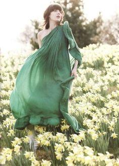 daffodils and green dress Irina Lazareanu, Paolo Roversi, Tim Walker, Flowing Dresses, Green Goddess, Favim, Mellow Yellow, Color Yellow, Flower Fashion