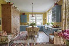 Berkshire Kitchen | Vanrenen GW Designs English Country Style, English Decor, English House, Central Kitchen, Cottage Interiors, New Brunswick, Gw, Table, Kitchens