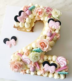 Number 2 cookie cake - Little Cake Ko - Pretty Cakes, Cute Cakes, Beautiful Cakes, Amazing Cakes, Bolo Da Minnie Mouse, Minnie Mouse Cookies, Number 2 Cakes, Pastel Mickey, Cake Lettering