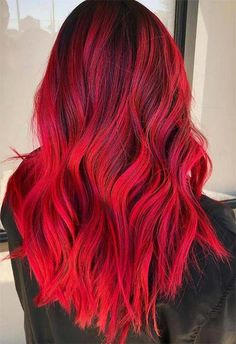 63 Hot Red Hair Color Shades to Dye for: Red Hair Dye Tips & Ideas - Haar Ideen Dyed Tips, Hair Dye Tips, Red Hair Tips, Bobs Blondes, Dyed Red Hair, Red Colored Hair, Dark Red Hair Dye, Fire Red Hair, Red Ombre Hair