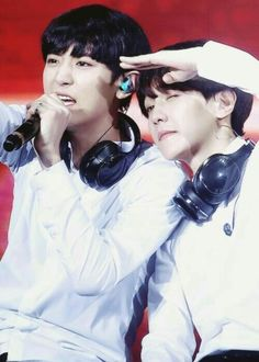 EXO   CHAN YEOL and BAEK HYUN