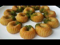 BAYRAMIN YILDIZI OLACAK SÜPER BİR TATLI👌 - YouTube Arabic Dessert, Arabic Food, Interior Design Living Room, Make It Yourself, Fruit, Breakfast, Desserts, Youtube, Cake
