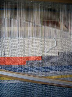 Ilse Acke: april 2010 Textile Patterns, Color Patterns, Print Patterns, Loom Weaving, Hand Weaving, Textile Texture, Weaving Textiles, Weaving Projects, Textile Artists