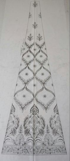 Border Embroidery Designs, Hand Work Embroidery, Types Of Embroidery, Machine Embroidery Patterns, Hand Embroidery Patterns, Embroidery Art, Embroidery Stitches, Embroidery Dress, Motif Design