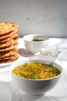 dal pakwan recipe - one of the popular sindhi breakfast recipe. it is basically chana dal (bengal gram) served with pakwan (crisp fried indian bread). step by step recipe.