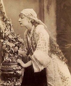 Sarah Bernhardt (1844—1923)