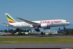 Ethipian Airlines ET-AOQ Boeing 787-860 Dreamliner aircraft picture