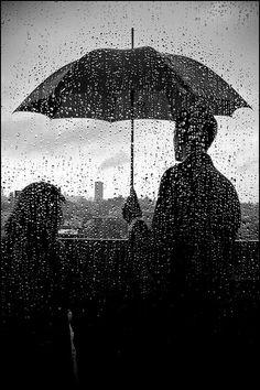 dawnawakened:    raindrops   Photographer:ifotog, Queen of Manhattan Street Photography
