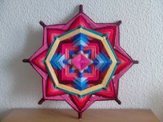 Resultado de imagem para mandalas de lana Mandalas For Kids, Tapestry Pink, Making Memories, Celtic Knot, Mandala Art, Diy Art, Kids Playing, Tattoos For Guys, Crochet Patterns